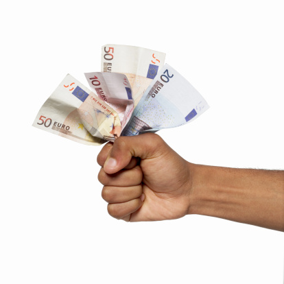 750 Euro sofort ausgezahlt ohne Schufa Kredit heute